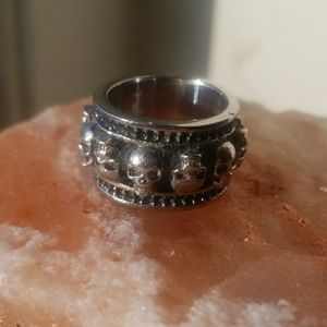 Heavy metal goth skull ring size 8.5